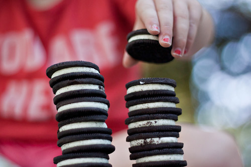 The leaning tower of oreo