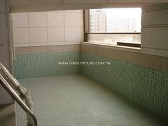 黃金新象:一戶一泳池