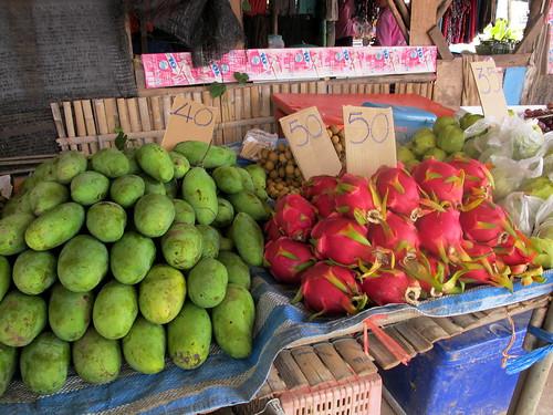 Ban Saladan market dragonfruit
