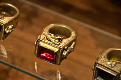 Papal Ring, Vatican Museums (LimeWave Photo) Tags: travel italien italy pope vatican rome roma history italia roman sightseeing musei ring collection historical museums rom properties lazio rm vaticani papal limewave
