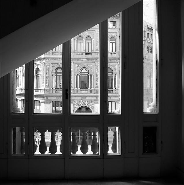Galerie Umberto I #2 - Par la fenêtre du 2ème étage
