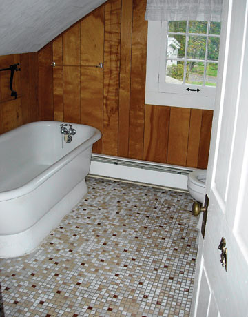 Country-Living-Bathroom-Makeover-Before-1