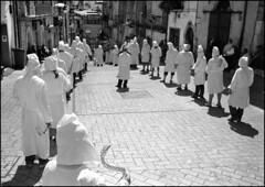 IMG747 Guardia Sanframondi (Leica M6 Summilux 35mm ASPH Tmax400 bw) (abschied) Tags: leica bw battenti guardiasanframondi