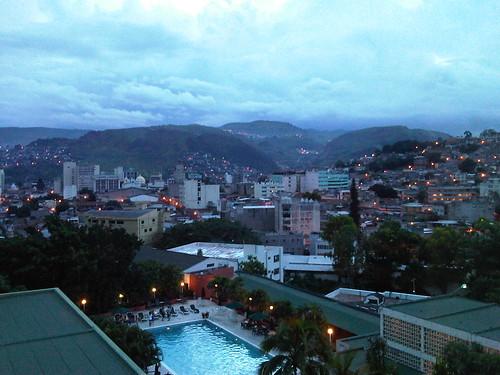 Hoteles En Honduras. Desde el Hotel Honduras Maya