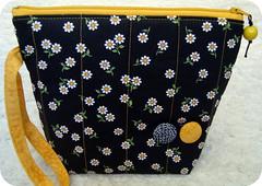 Necessaire (Luluzinha por Luiza Cavalcante) Tags: art arte handmade artesanato craft mimo fabric tecido luluzinha necessaire util feitoamo arteemtecido luizacavalcante