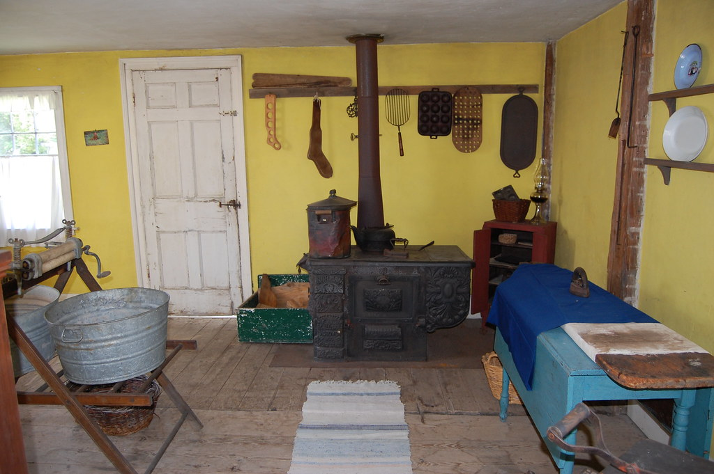 Crosby House kitchen  -  Erie Canal Village