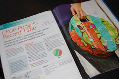 Article (ReannaLilyDesigns) Tags: circle pattern sewing funky purse quilting recycling tutorial michaelmiller inprint sewingpattern quiltedbag reannalilydesigns lauragunn quiltersworldmagazine