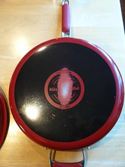 KitchenAid Porcelain Nonstick Cookwares - Pix 3/4