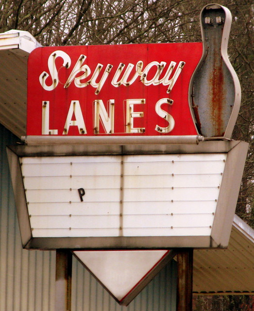 Skyway Lanes sign