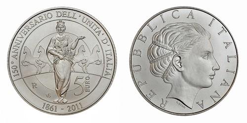 Italy 5 Euros 2011
