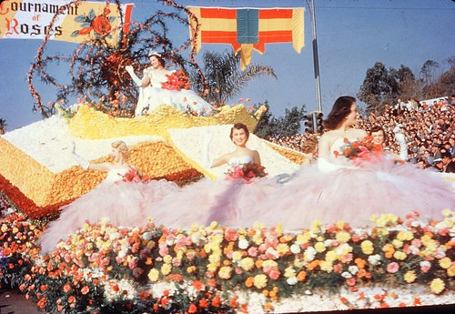 The Queen's Float - 1954 Tournament of Roses Parade