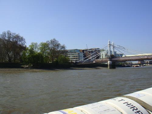 A lo lejos, Albert Bridge y el parque de Battersea a la izquierda