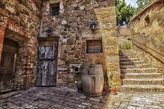 Monticchiello  (Siena) - Tuscany Italy (vilma.remondetto) Tags: monticchiello italy siena scorci dettagli details colors terradisiena street vilmaremondetto tuscany