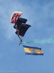 The Tigers (ExeDave) Tags: p6041476 thetigers princessofwalesroyalregiment parachute display team torbay airshow 2017 paignton devon sw england gb uk british army freefall june flag