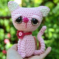 Meow 🐱😍 #crocheting #vendulkampatteen #crochetkitty #pinkisthecolor (VendulkaM) Tags: pinkisthecolor crochetkitty vendulkampatteen crocheting