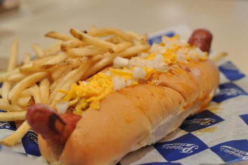 Chili Cheese Dog ~ Pappa's Burgers, Houston Airport