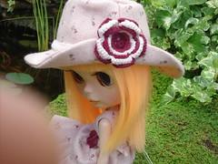 felicia sale al jardin 017