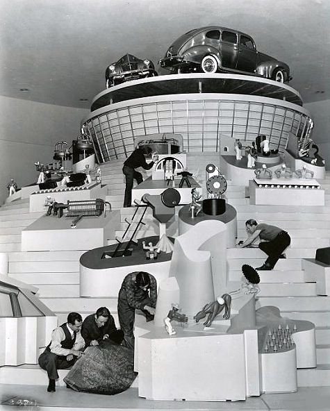1939 - Ford Exhibit - Cycle of Production - under construction