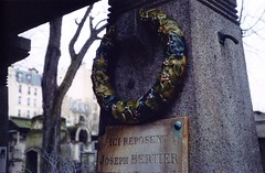 Glazed wreath (akki14) Tags: film cemetery montmartre expired finetta88 kodakkodacolor