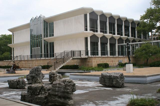 McGregor Memorial Conference Center (1958) Minoru Yamasaki