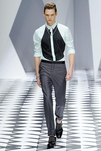 SS11_Milan_Versace0025_Johannes Niermann(VOGUEcom)