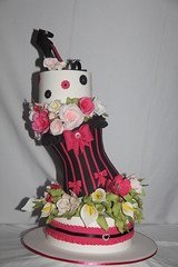 Topsy Turvy (Designer Cakes By Effie) Tags: roses shoe tulips corset topsyturvy sugarart arumlillies sugarcraft planetcake