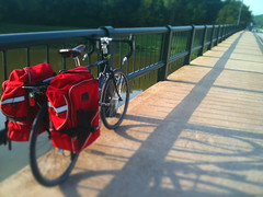 Commute (rowdydugan) Tags: bike truck long texas tx bicycles haul dugan longhaultrucker longha fwtx