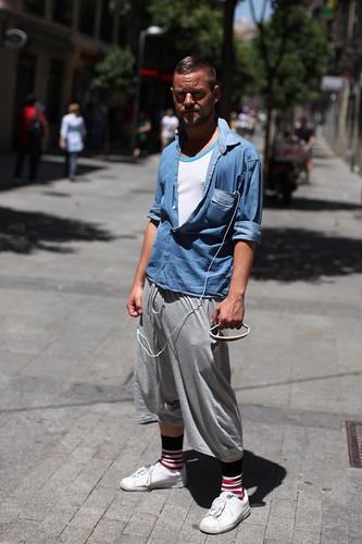 Algures entre o sporstwear e o streetwear
