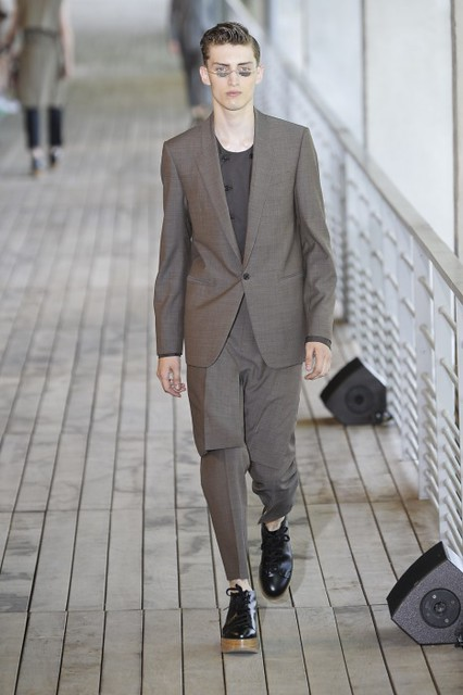 Charlie France3320_SS11_Paris_Wooyoungmi