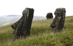 20091225 Isla de Pascua 186 (blogmulo) Tags: chile travel america canon easter de island ar pascua luna viajes miel moai isla lunademiel sudamerica rano raraku ahu nui rapa canon450d blogmulo 200912