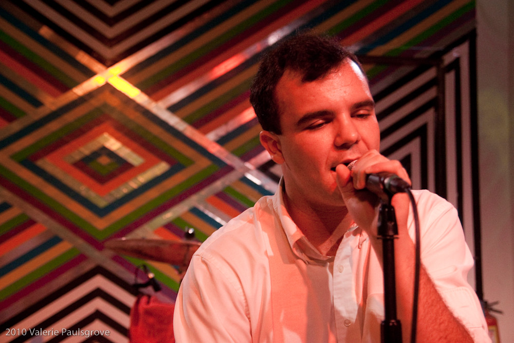 Future Islands Accoustic