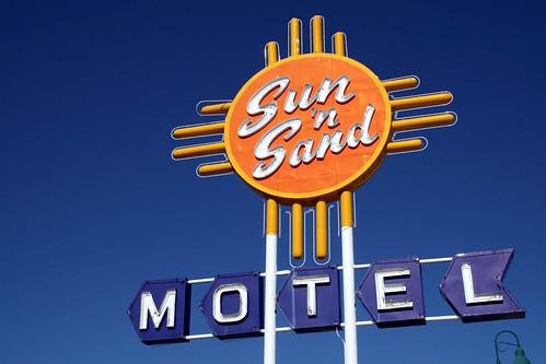 sun 'n sand motel sign
