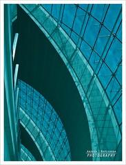 Architettura (Andrea Rapisarda) Tags: architecture geotagged airport dubai structures olympus aeroporto emirates zuiko architettura oly zd strutture sooc 18180mm emiratiarabi fourthird quattroterzi rapis60 andrearapisarda veryminimalediting geo:lat=25248733 geo:lon=55361137