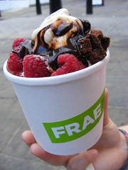 Counter the London Heat with Frae organic frozen yoghurt