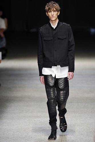 SS11_Milan Neil Barrett0016_Gabriel Gronvik(Stylecom)