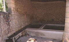 1_DSC03725p (johanhelmons) Tags: acqua fontana vatten lavoir akvo wasplaats johanhelmons pugnaderesse