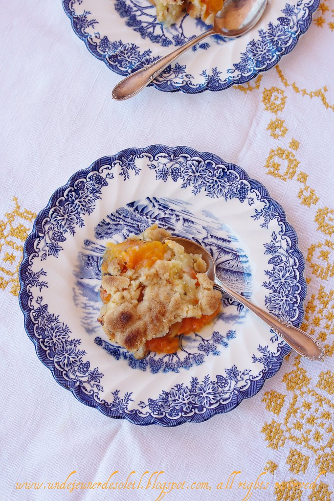 Apricots and salvia crumble
