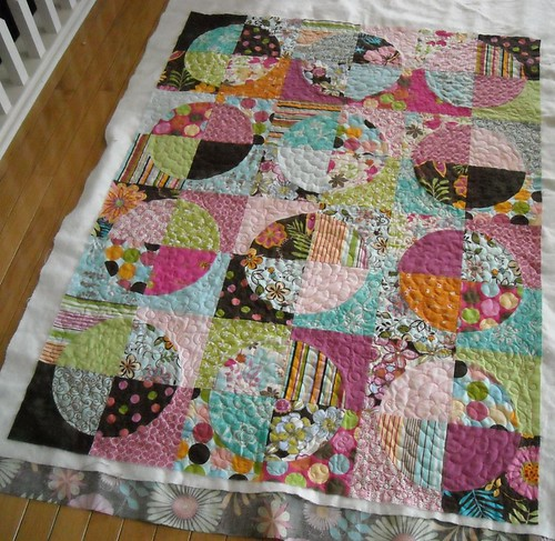 circle quilt, quilted!