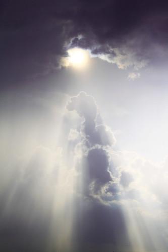 [フリー画像] 自然・風景, 空, 雲, 日光・太陽光線, 201007260700