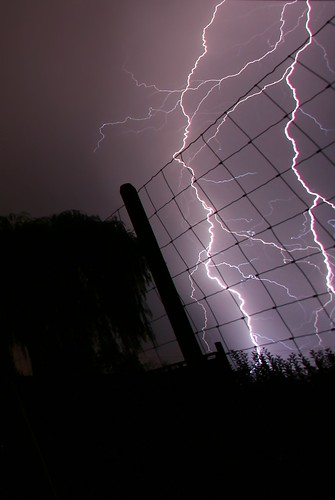 lightning-fence