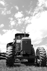 John Deere 2955 (jrg603*) Tags: new tractor john farm nh hampshire deere 2955