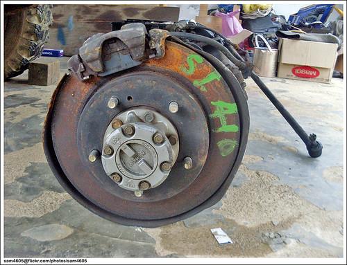 Repairing Suzuki SJ410 - axle