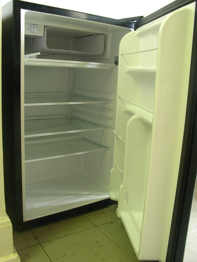 GE Compact Refrigerator $50