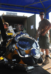 Underwater Construction Team Preps for Joint Dive (US Navy) Tags: construction underwater mask military militar diver usnavy prep equipo marinero unitedstatesnavy buceador