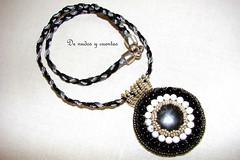 Collar bordado (De nudos y cuentas) Tags: embroidery bead collar cordn braid bordado algodn encerado rocalla rocallas magnesita nix