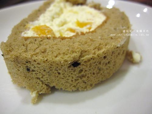 香帥英式紅茶鮮果雪藏蛋糕體仔細看