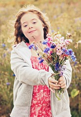 Look what I picked (Andreas-photography) Tags: flowers girl proud nikon andrea essex d300 downssyndrome t189 gnpc
