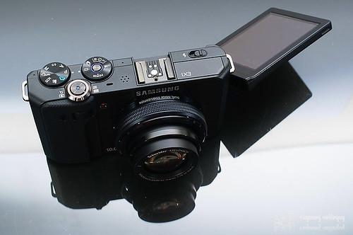 Samsung_EX1_Exterior_16