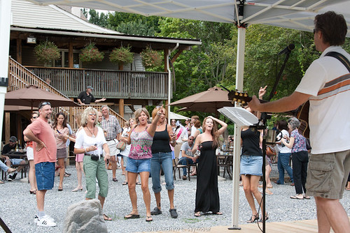 Black Walnut Winery (049) - Dancing and Music