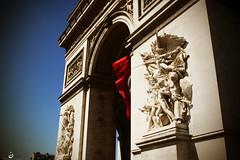 (Nohition) Tags: travel paris canon 2470mml îledefrance 2010 larcdetriomphe champsélysées 400d nohition